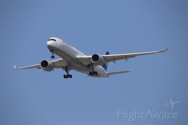 Airbus A350-900 (D-AIXG)