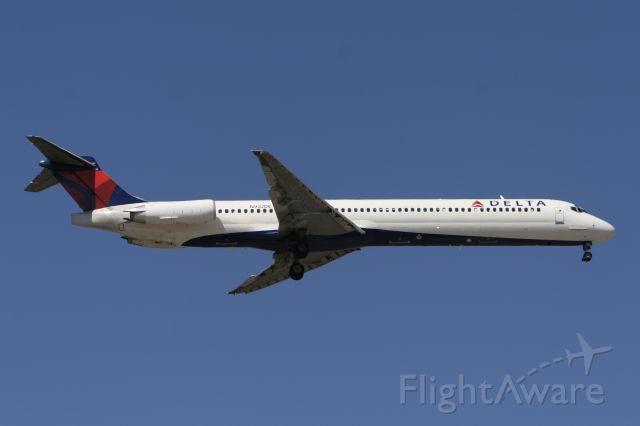 McDonnell Douglas MD-88 (N902DE) - March 27, 2011 - arrived Detroit