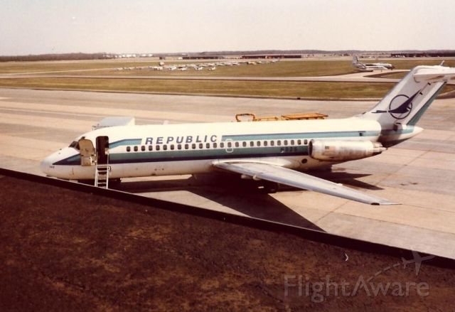 Douglas DC-9-10 (N92S) - Republic DC-9 at Washington Dulles in the early 1980s