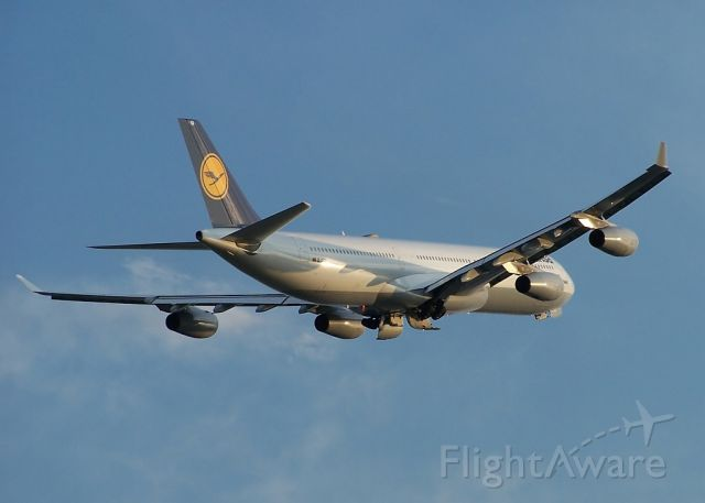 Airbus A340-600 (D-AJGI)