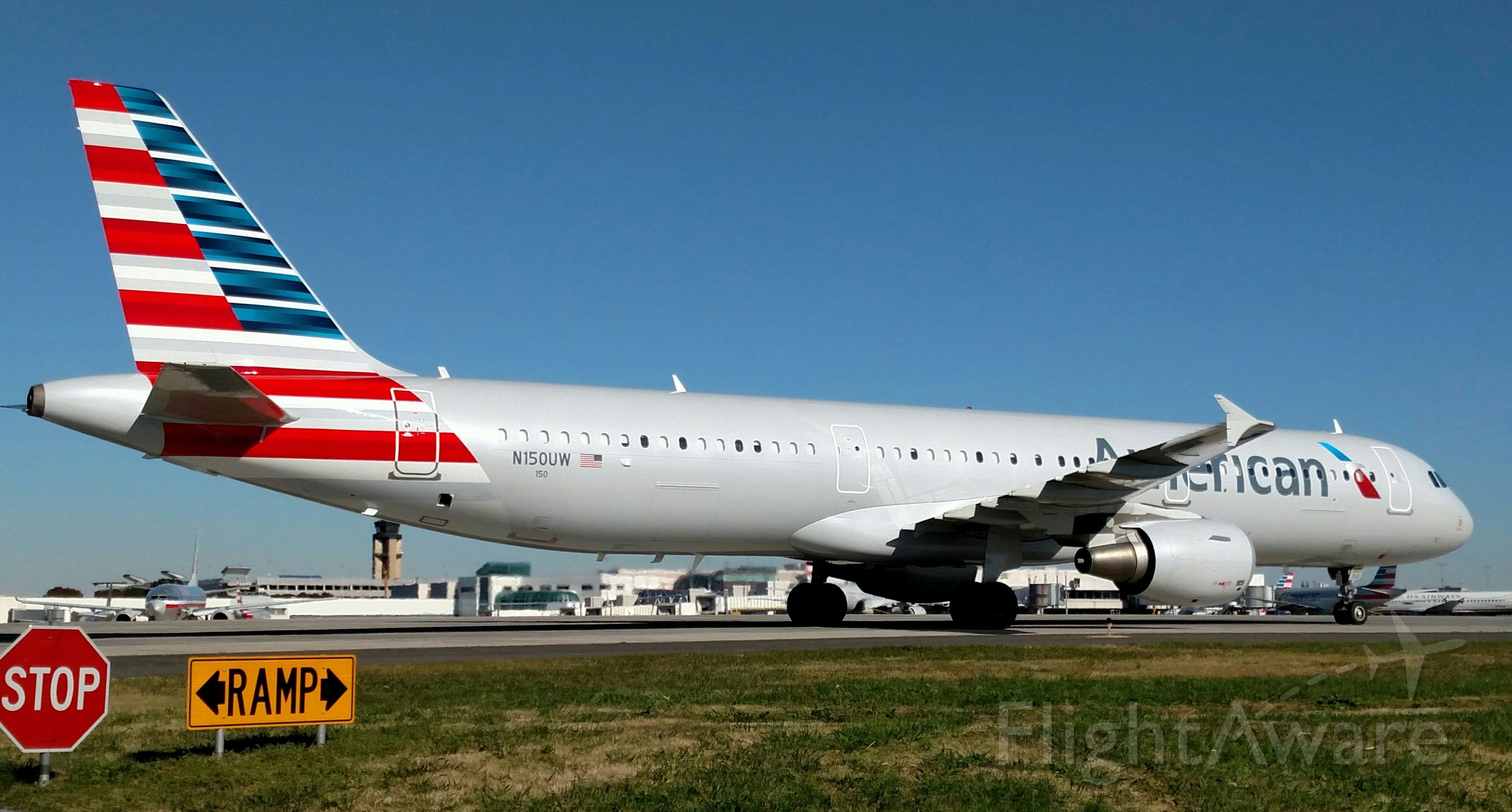 Airbus A321 (N150UW)
