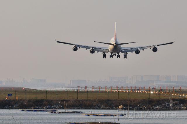 Boeing 747-400 (B-18207) - SZX 2nd Runway (016),This jumbo jet will landing soon.<br />Nikon D90 + AF-S Nikkor 80-200mm f/2.8 D IF-ED
