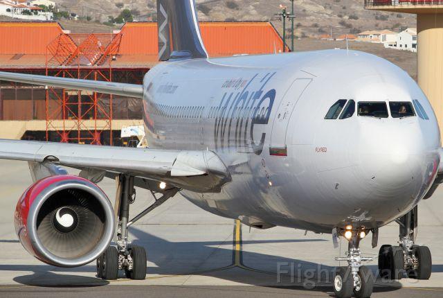 Airbus A310 (CS-TKI)