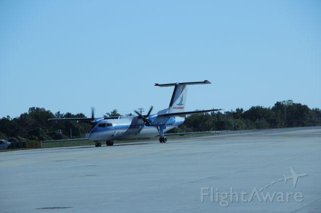 de Havilland Dash 8-100 (N837EX) - 10/22/16 inbound heritage painted turboprop
