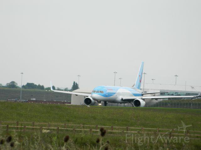 Boeing 757-200 (G-BYAW)