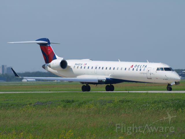 Canadair Regional Jet CRJ-700 (N642CA)