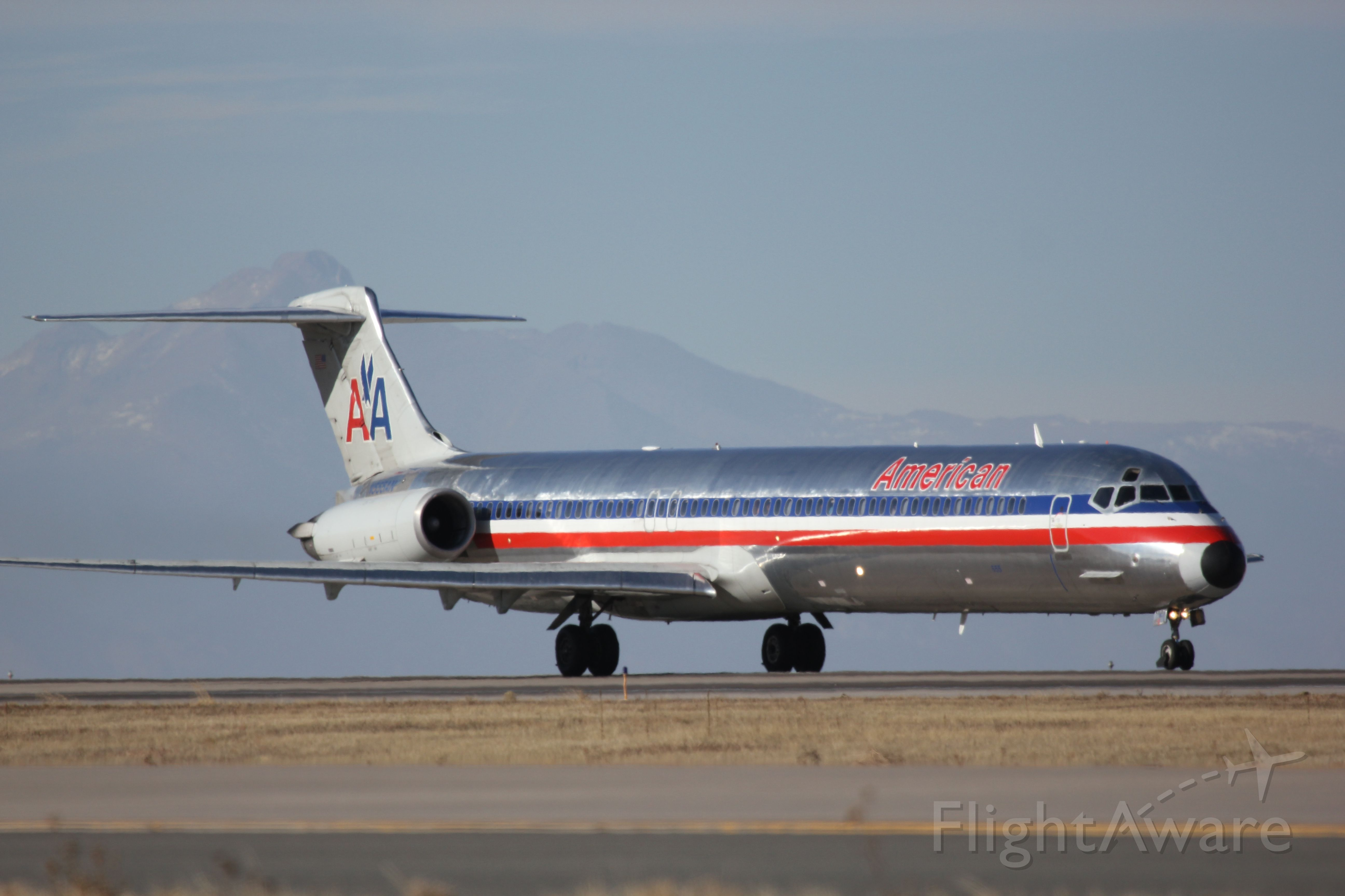McDonnell Douglas MD-80 (N555AN)