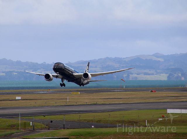 Boeing 787-9 Dreamliner (ZK-NZE) - Air New Zealand ZK-NZE climbs out of Auckland International Airport on Sunday 10th March 2019