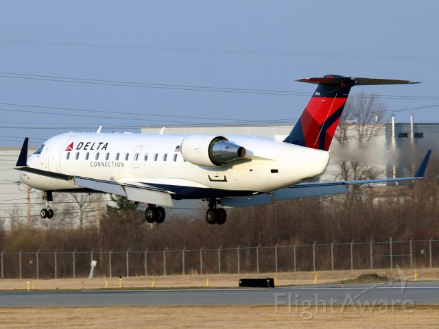 BOMBARDIER Regional Jet CRJ-1000 (N8444F)