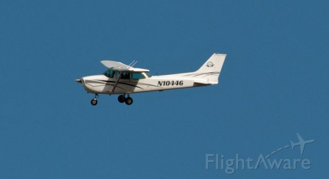 Cessna Skyhawk (N10446) - On cross wind from 27 at Carson City