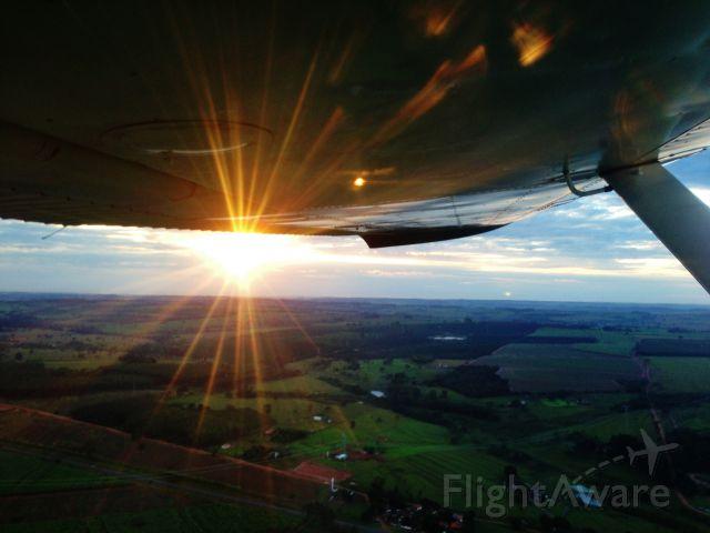 Cessna Commuter (PT-DBS) - Early morning flight, we took off at 6:40am for flight training
