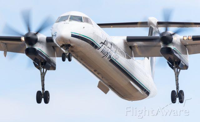 de Havilland Dash 8-100 (N433QX)