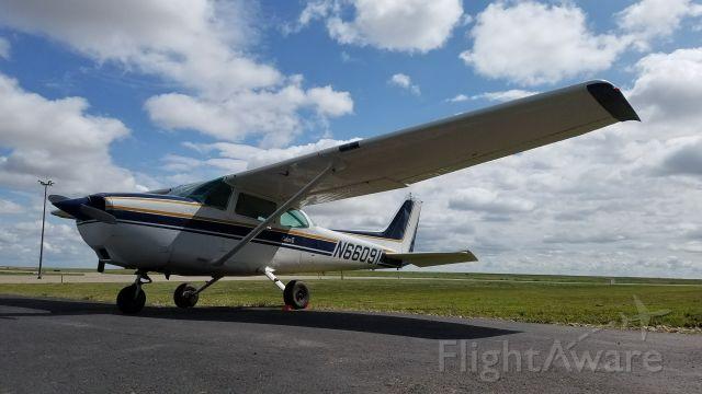 Cessna Skyhawk (N66091) - C172Q ready to go on its next adventure!