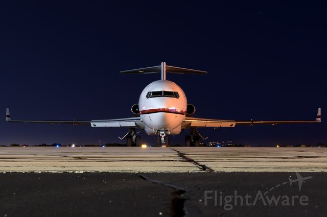 """BOEING 727-200 (N725CK) - Air Horse One Under the stars. Full quality photo --> <a rel=""""nofollow"""" href=""""http://www.airliners.net/photo/Tex-Sutton-Kalitta-Charters/Boeing-727-224-Adv-F/4657891"""">http://www.airliners.net/photo/Tex-Sutton-Kalitta-Charters/Boeing-727-224-Adv-F/4657891</a>"""