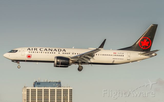 Boeing 737 MAX 8 (C-FTJV) - Arriving as AC413 from Montreal, Air Canada