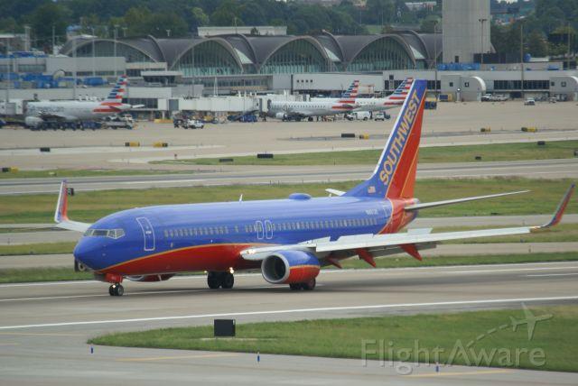 Boeing 737-800 (N8612K)