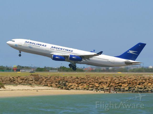 Airbus A340-200 (LV-ZPO)