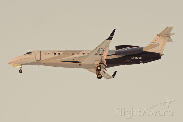 Embraer ERJ-135 (M-RCCG)