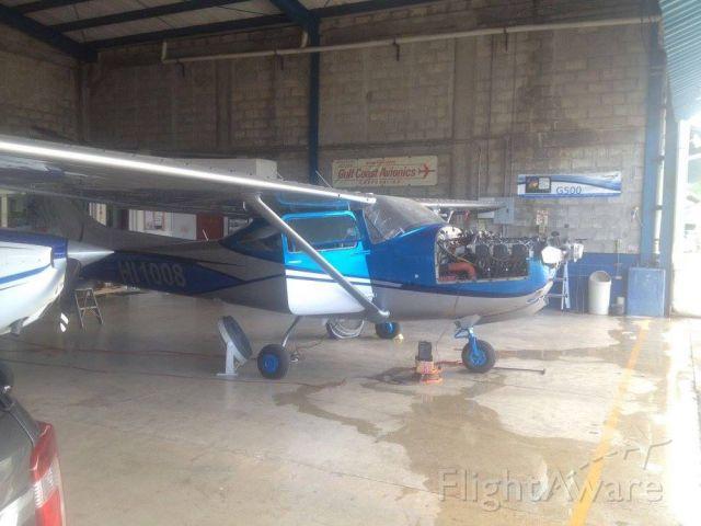 Cessna Skylane (HI1008) - EX N757EC