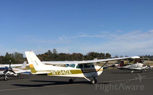 Cessna Skyhawk (N734DX)