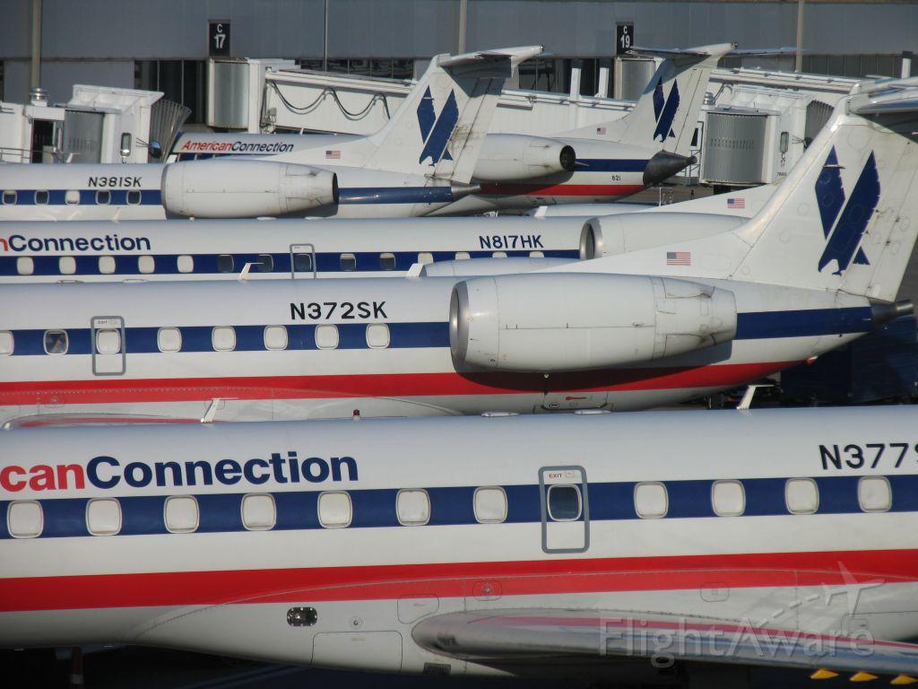 Embraer ERJ-135 (N372SK)