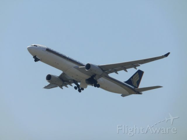 Airbus A330-300 (9V-STQ) - チャンギへ行ってらっしゃい。