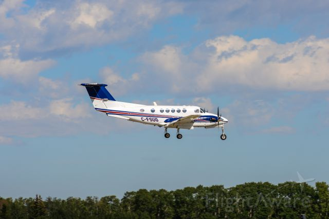 Beechcraft Super King Air 200 (C-FSUG) - C-FSUG on Final for Runway 7/25
