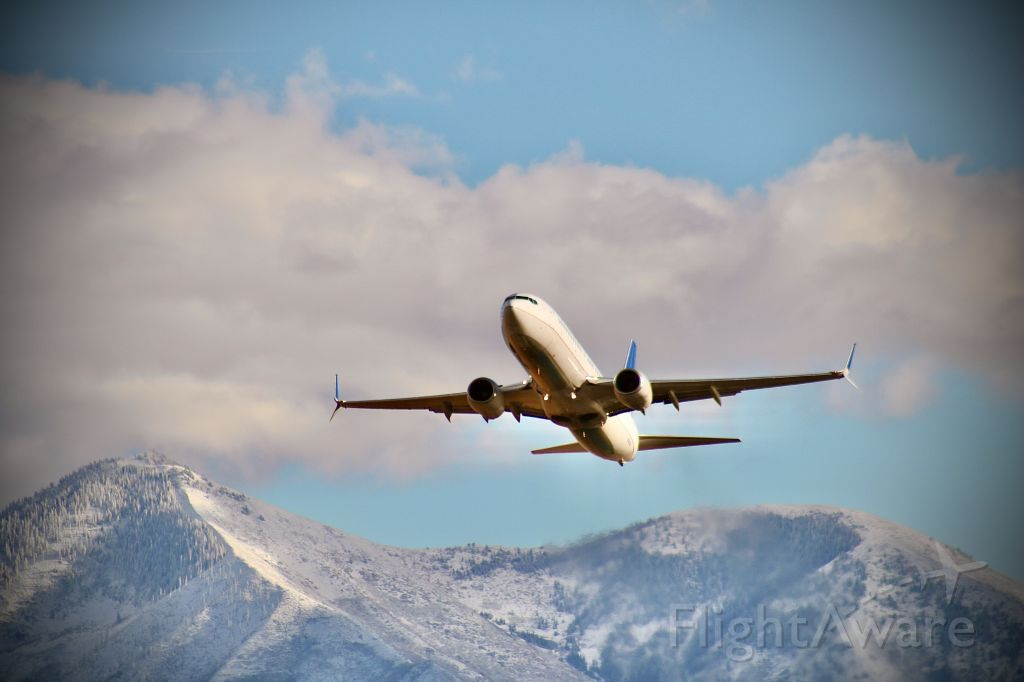 Boeing 737-800 (N14214) - Charter flight to SFO