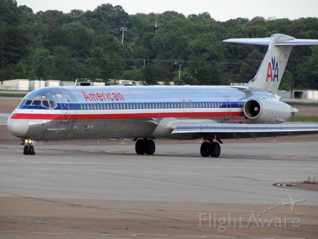 McDonnell Douglas MD-80 (N436AA)