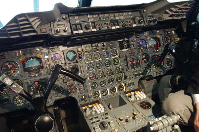 Aerospatiale Concorde (G-BOAC) - Flight Deck Concorde G-BOAC