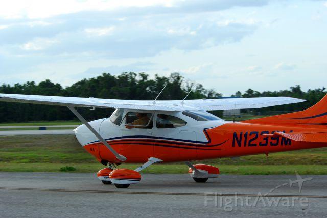 Cessna Skylane (N1239M) - 2013 Sun n Fun Parade of Planes