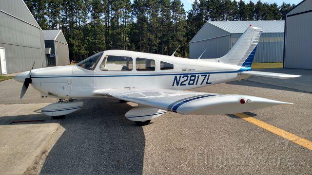 Piper Cherokee (N2817L)
