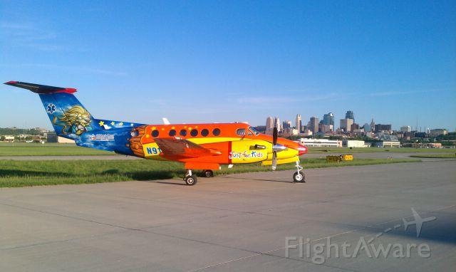 Beechcraft Super King Air 200 (N911CM)