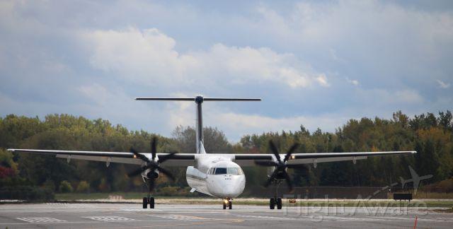 de Havilland Dash 8-400 (C-GLQF)