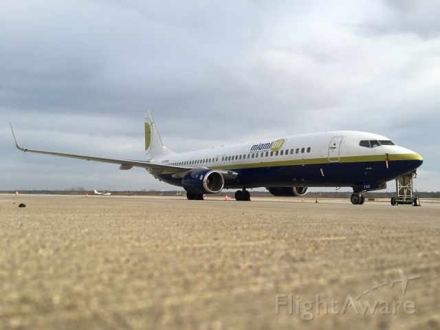 Boeing 737-800 (N733MA) - Got down low to the ground for a different view of one of Miami