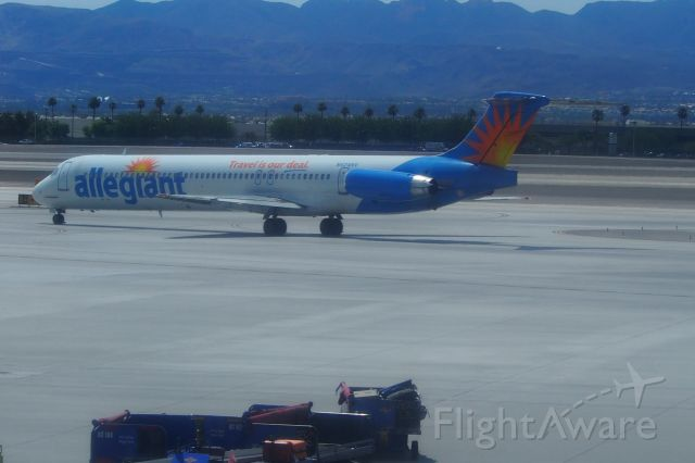 McDonnell Douglas MD-80 (N424NV)