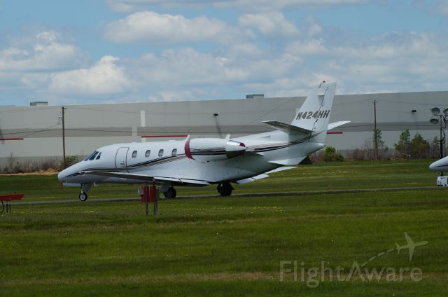 Cessna Citation Excel/XLS (N424HH) - Stopped in at KMPO. Pocono 400 was running.