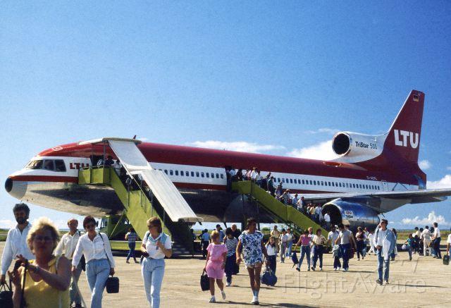 Lockheed L-1011 TriStar (D-AERL) - 1987 at Malé