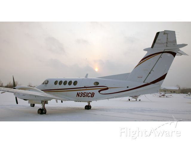 Beechcraft Super King Air 200 (N351CB) - A very nice King Air 200, equipped with Collins ProLine21.