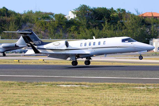 Learjet 40 (N412ET)