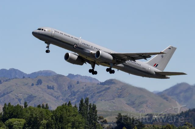 Boeing 757-200 (ANZ7571) - The Air Force B757 taking off on runway 06 from Woodbourne.