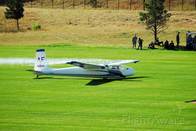 — — - USAFA glider landing for Family Weekend 2009.
