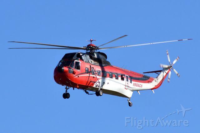 Sikorsky Sea King (N906CH) - Nice looking S-6- Sea king
