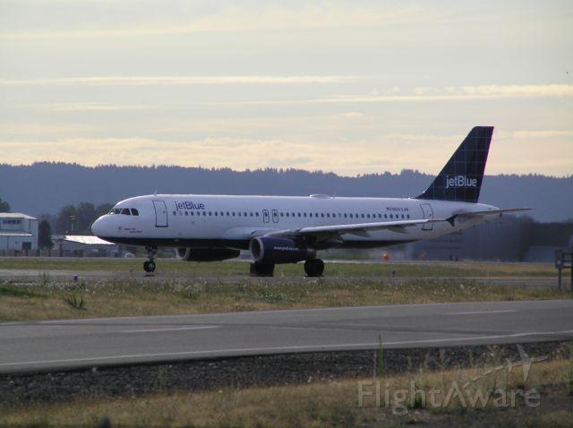 Airbus A320 (N663JB) - 2010-08-20 1813 PDT