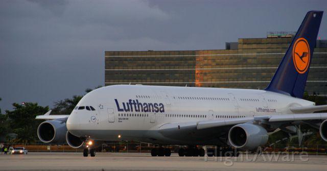 Airbus A380-800 (D-AIMF)