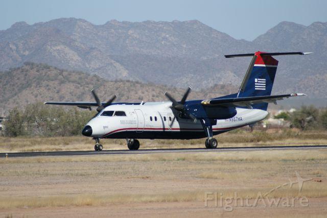 de Havilland Dash 8-100 (N987HA)