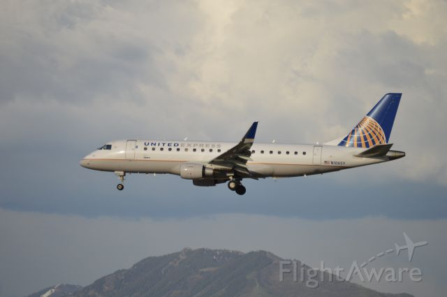 Embraer 170/175 (N106SY) - SKW5465 on short final for 34L arriving from KSFO/SFO.