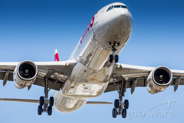 Airbus A330-300 (HB-JHK)