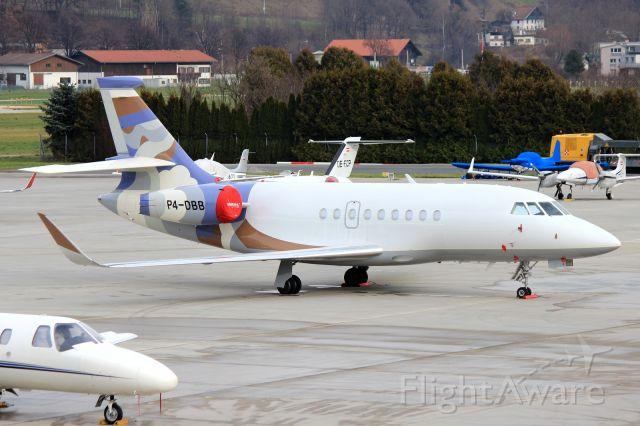 Dassault Falcon 2000 (P4-DBB)