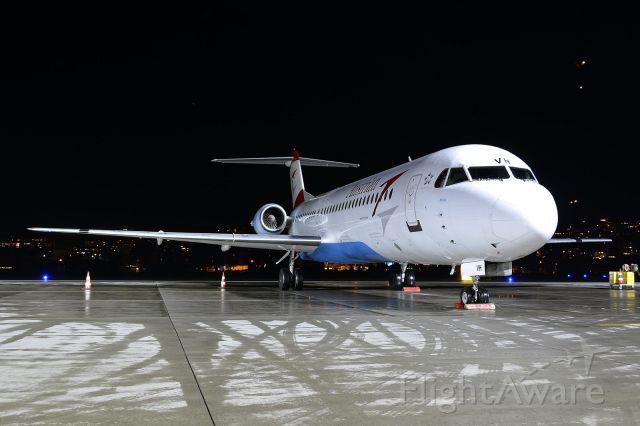 Fokker 100 (OE-LVH)